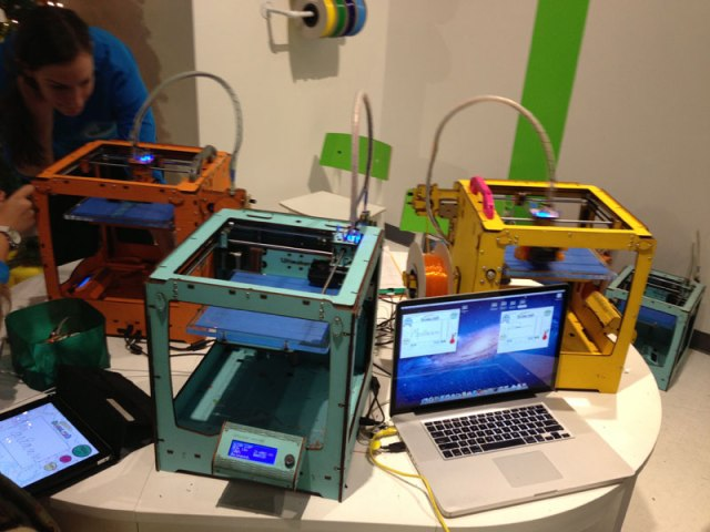 3DEA: A pop-up 3D print store in NYC (West 29th and 6th Ave)
