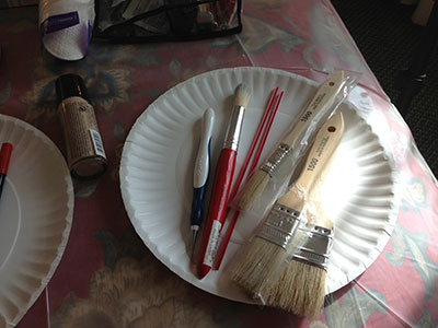various paint brushes used for makeup